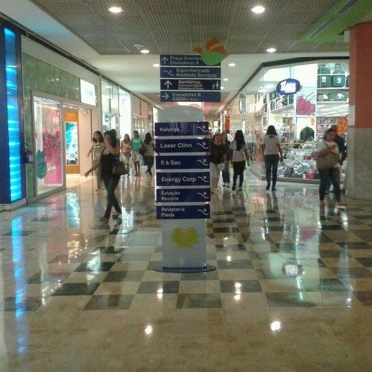 3/20/2012 tarihinde Renata Alcântaraziyaretçi tarafından Shopping Center Penha'de çekilen fotoğraf