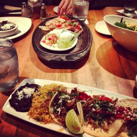 Foto tomada en Cantina Laredo por Dana el 8/20/2012