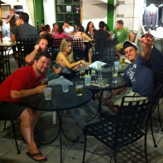 Foto tirada no(a) Tigin Irish Pub por Joe B. em 8/8/2012