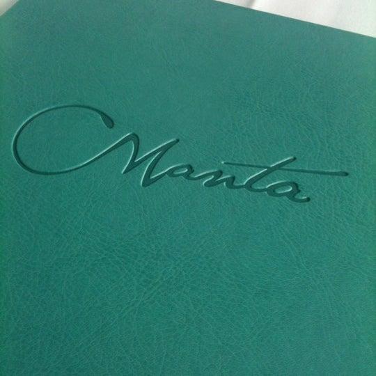 Foto scattata a Manta Restaurant da Sanny W. il 2/26/2012