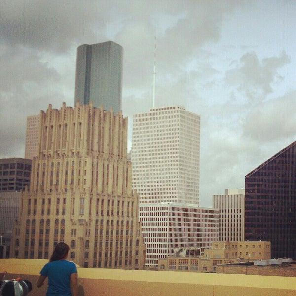 Снимок сделан в Magnolia Hotel пользователем Javier E. 8/18/2012