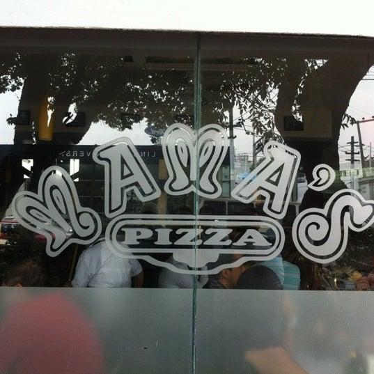 Снимок сделан в Mama's Pizza пользователем Asael C. 4/20/2012