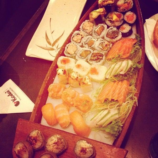 Foto tirada no(a) Kodai Sushi por Amanda M. em 8/18/2012