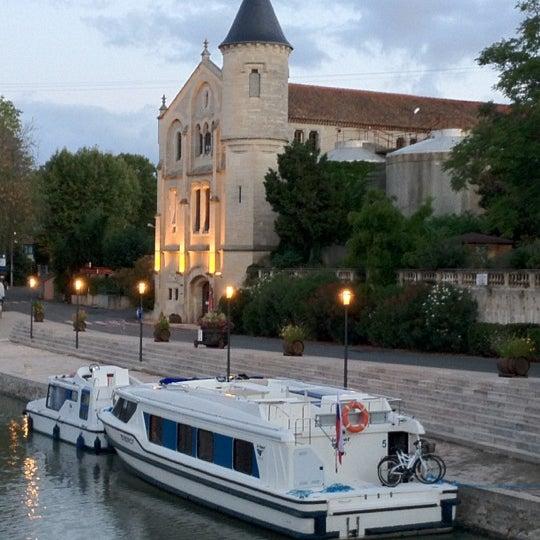 รูปภาพถ่ายที่ Chateau Ventenac โดย Alexey S. เมื่อ 8/31/2012