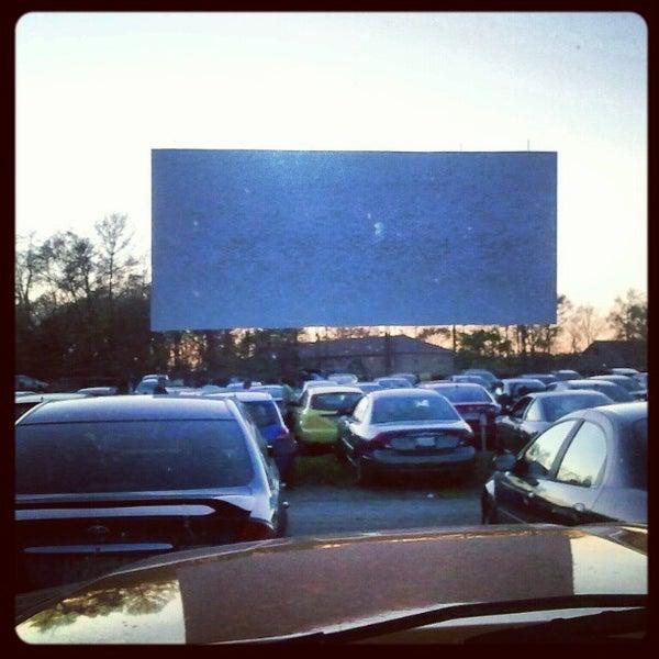 Снимок сделан в Bengies Drive-in Theatre пользователем Bill N. 4/7/2012