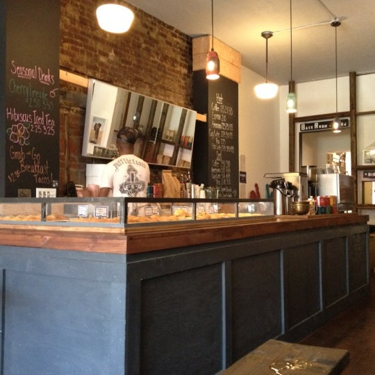 Foto tirada no(a) Brooklyn Kolache Co. por Dan S. em 5/28/2012