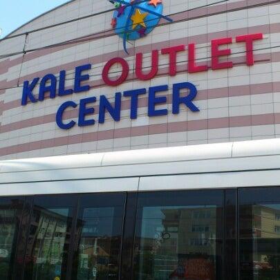 Foto scattata a Kale Outlet Center da Yagmur İ. il 7/13/2012