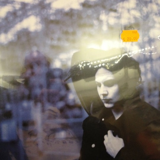 5/18/2012에 Kristopher S.님이 Music Mania에서 찍은 사진
