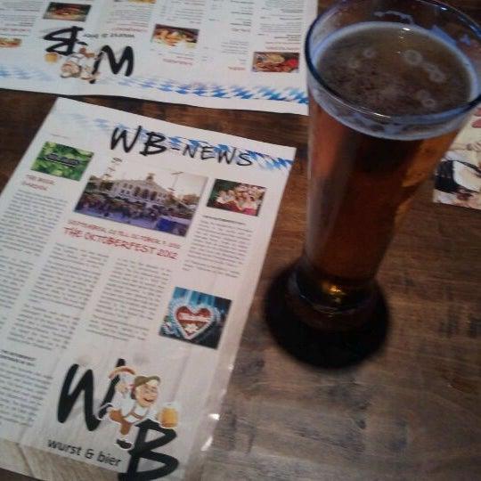 Photo prise au Wurst Und Bier par Paul M. le5/25/2012