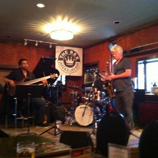 6/4/2012にAngad D.がThe Rex Hotel Jazz & Blues Barで撮った写真