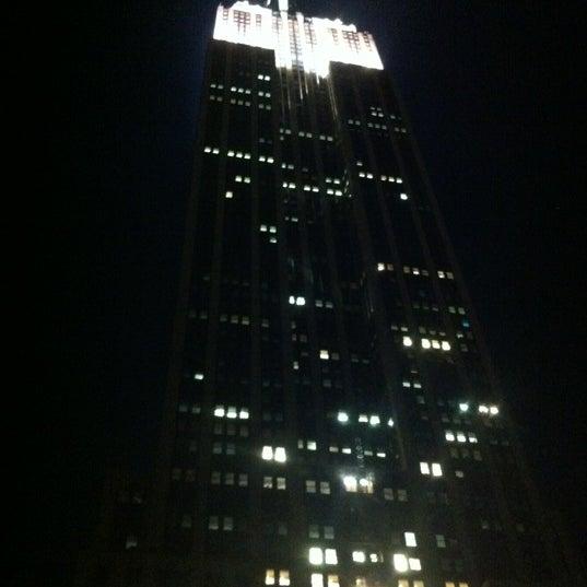 Foto diambil di VU Bar NYC oleh Daniel S. pada 6/16/2012