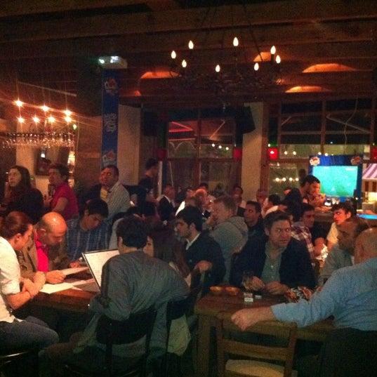 4/22/2012 tarihinde Filiz H.ziyaretçi tarafından Mica Restaurant & Bar'de çekilen fotoğraf