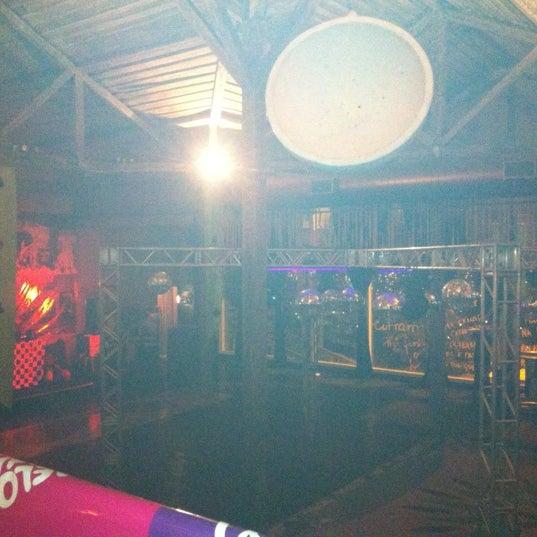 8/11/2012 tarihinde Loren T.ziyaretçi tarafından Espaço Meet'de çekilen fotoğraf