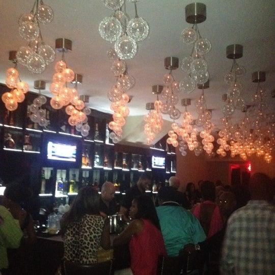 6/10/2012にDavid G.がCove Loungeで撮った写真