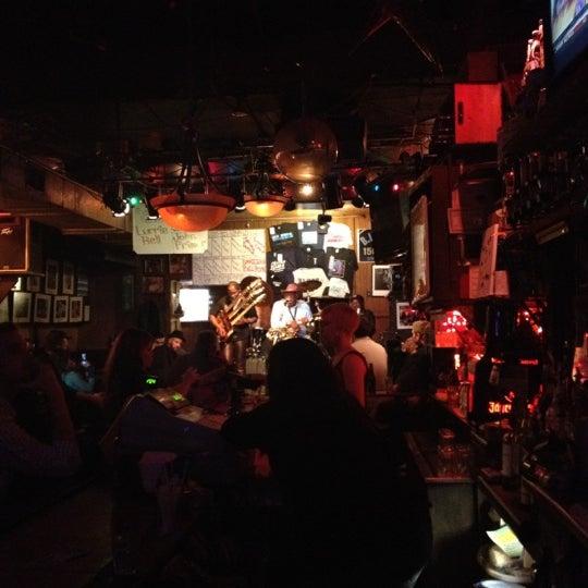 Photo prise au B.L.U.E.S. par JP le2/19/2012