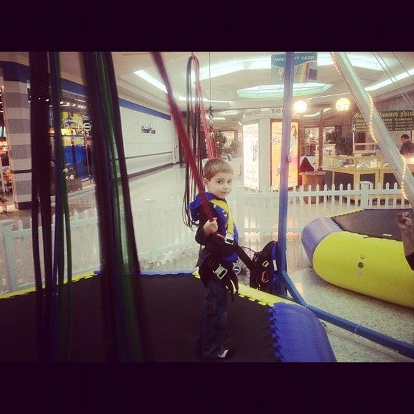 2/5/2012에 Robb H.님이 Governor's Square Mall에서 찍은 사진