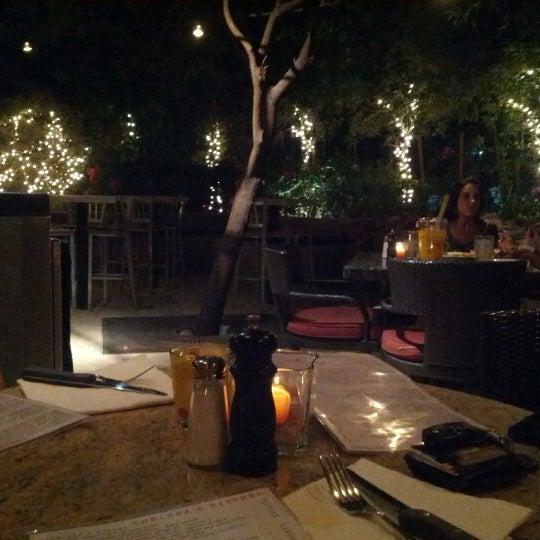 Foto tomada en Chelsea's Kitchen por Rodrigo L. el 8/27/2012