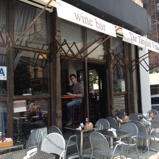 5/27/2012にAllison B.がThe Tangled Vine Wine Bar & Kitchenで撮った写真