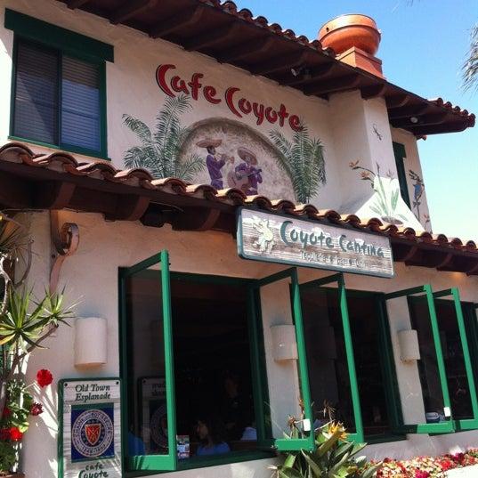 Foto tomada en Cafe Coyote por Ming C. el 5/20/2012