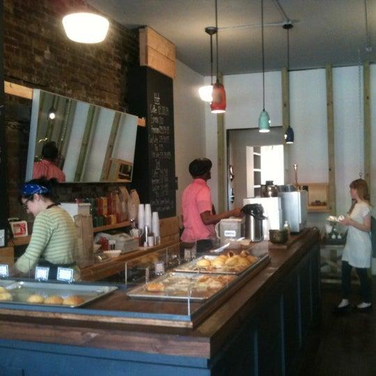 Foto tirada no(a) Brooklyn Kolache Co. por randy k. em 4/15/2012