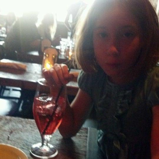 Foto tirada no(a) Bankers Hill Bar & Restaurant por Laura L. em 5/10/2012