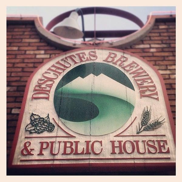 Снимок сделан в Deschutes Brewery Bend Public House пользователем Morgin S. 5/3/2012