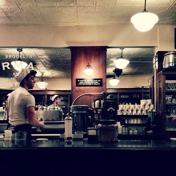 Foto scattata a Brooklyn Farmacy & Soda Fountain da Diego Z. il 2/18/2012