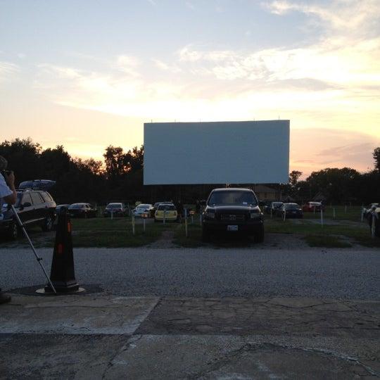 Снимок сделан в Bengies Drive-in Theatre пользователем Enimsaj D. 9/7/2012