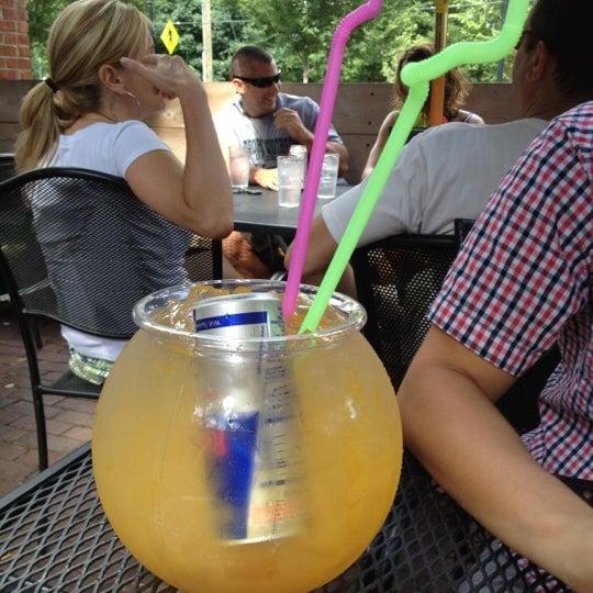 Das Foto wurde bei The Nook on Piedmont Park von Bryan am 5/28/2012 aufgenommen