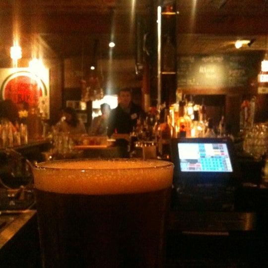 3/27/2012 tarihinde Ben C.ziyaretçi tarafından Local 149'de çekilen fotoğraf