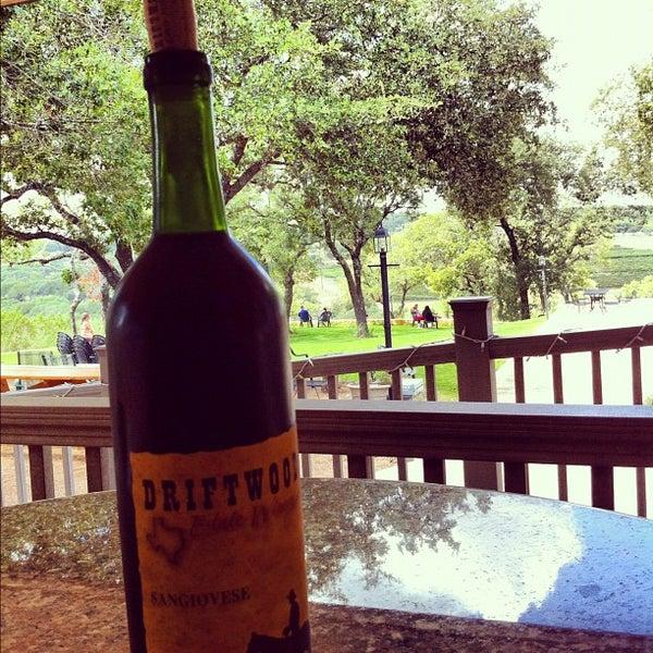 Foto diambil di Driftwood Estate Winery oleh Robert F. pada 9/1/2012