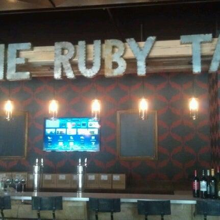 7/18/2012 tarihinde carolynn b.ziyaretçi tarafından The Ruby Tap'de çekilen fotoğraf