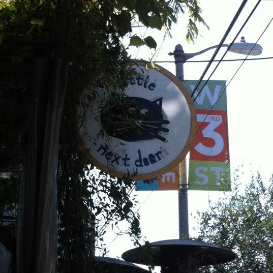Foto tirada no(a) Little Next Door por Salem em 7/1/2012