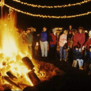Overlys Country Christmas.Bonfire At Overly S Country Christmas 2 Tips