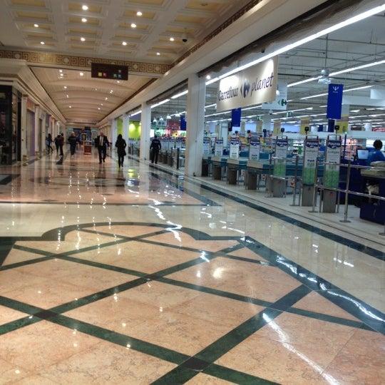 Foto tomada en Centro Comercial Gran Vía 2 por Airam el 4/19/2012