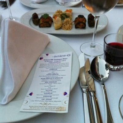 Foto diambil di Asitane Restaurant oleh Eser S. pada 8/4/2012