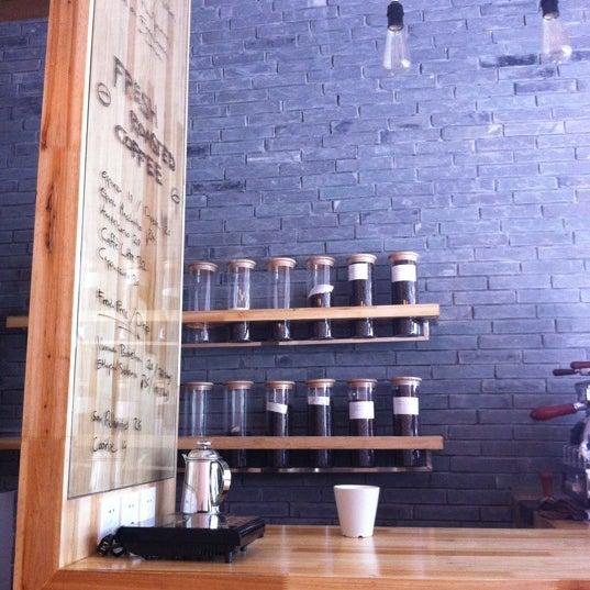Foto tirada no(a) Café del Volcán por Crystal L. em 8/18/2012