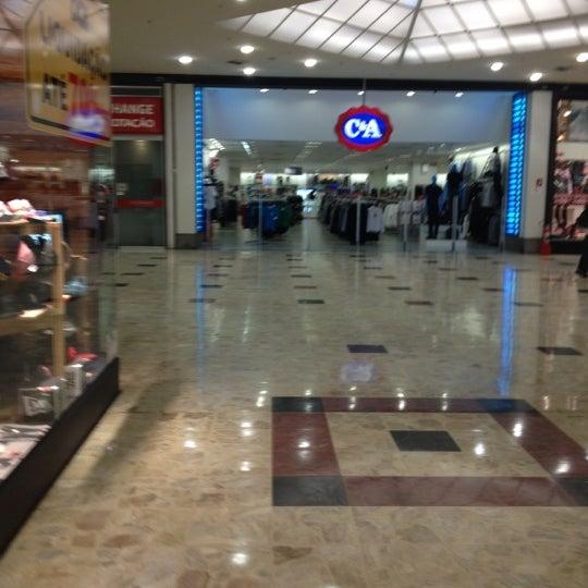Das Foto wurde bei Grand Plaza Shopping von Clayton F. am 8/15/2012 aufgenommen