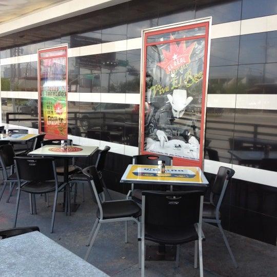 รูปภาพถ่ายที่ El Real Tex-Mex Cafe โดย Brent P. เมื่อ 8/31/2012
