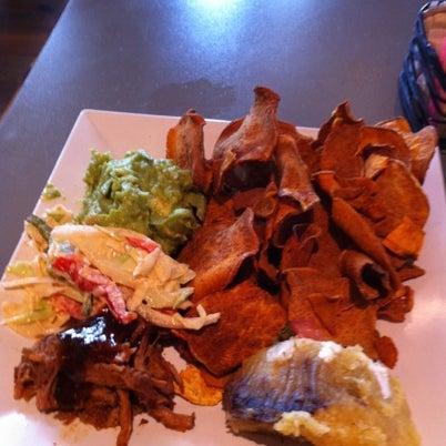 Снимок сделан в TNT - Tacos and Tequila пользователем kathi p. 7/22/2012