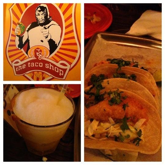 Photo prise au The Taco Shop par LYNX P. le7/23/2012