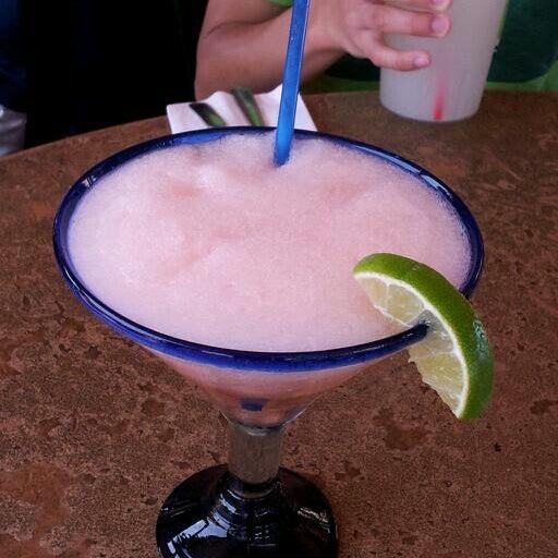 รูปภาพถ่ายที่ Cafe Coyote โดย Mylene A. เมื่อ 7/11/2012