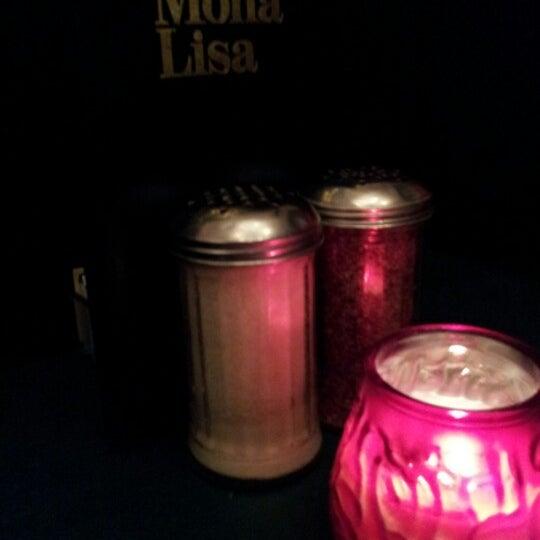 Das Foto wurde bei Mona Lisa Italian Restaurant von Robyn W. am 8/25/2012 aufgenommen