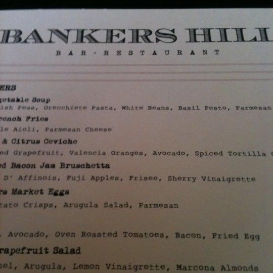 Foto tirada no(a) Bankers Hill Bar & Restaurant por Michelle a. em 3/24/2012