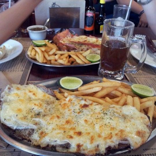 Foto tomada en Central de Pizzas por Francisco G. el 3/3/2012