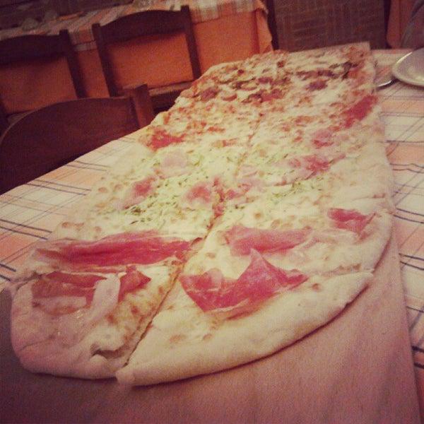 Foto scattata a Ristorante Pizzeria Dal Pescatore da Emanuele P. il 5/28/2012