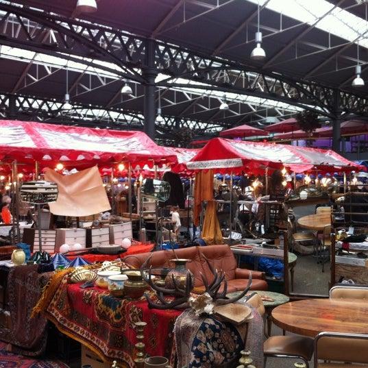 Foto tomada en Old Spitalfields Market por Alexander A. el 4/5/2012