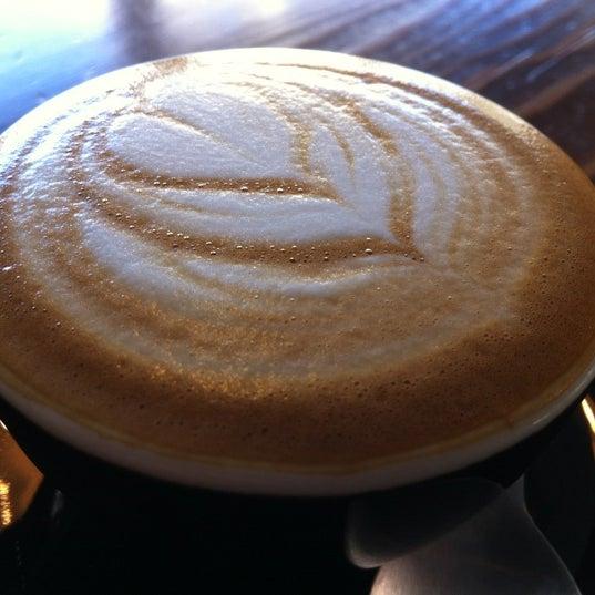 9/7/2012 tarihinde Greg R.ziyaretçi tarafından Analog Coffee'de çekilen fotoğraf