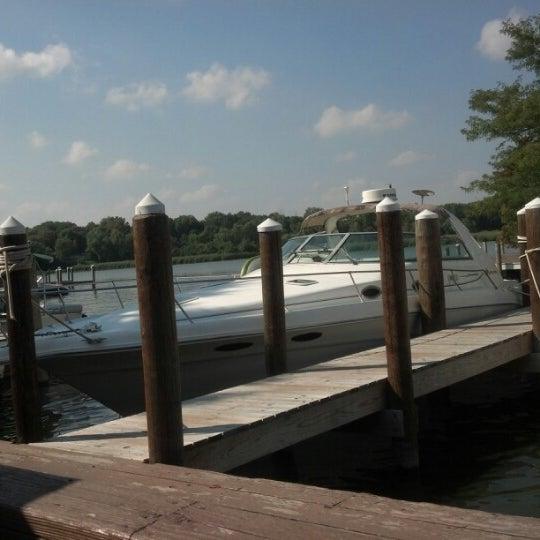 Foto tomada en Lord Fletcher's Old Lake Lodge por Kelly S. el 8/24/2012