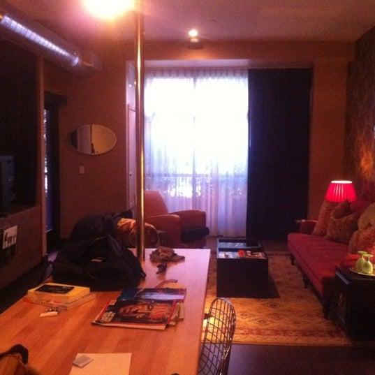 2/24/2012 tarihinde BLAST M.ziyaretçi tarafından The Redbury'de çekilen fotoğraf